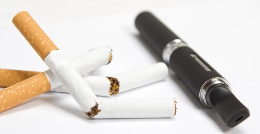 Η αλλαγή από κάπνισμα σε άτμισμα μειώνει δραματικά τα καρκινογόνα στον οργανισμό